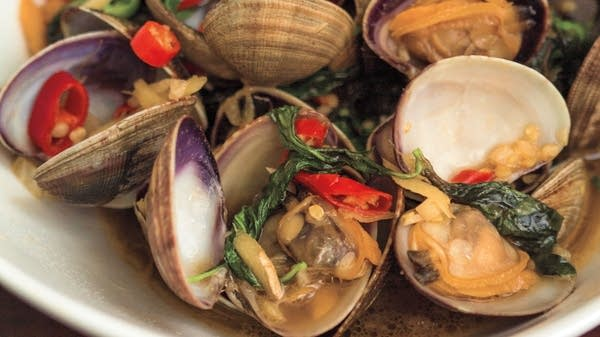 Clams with Basil and Chilies