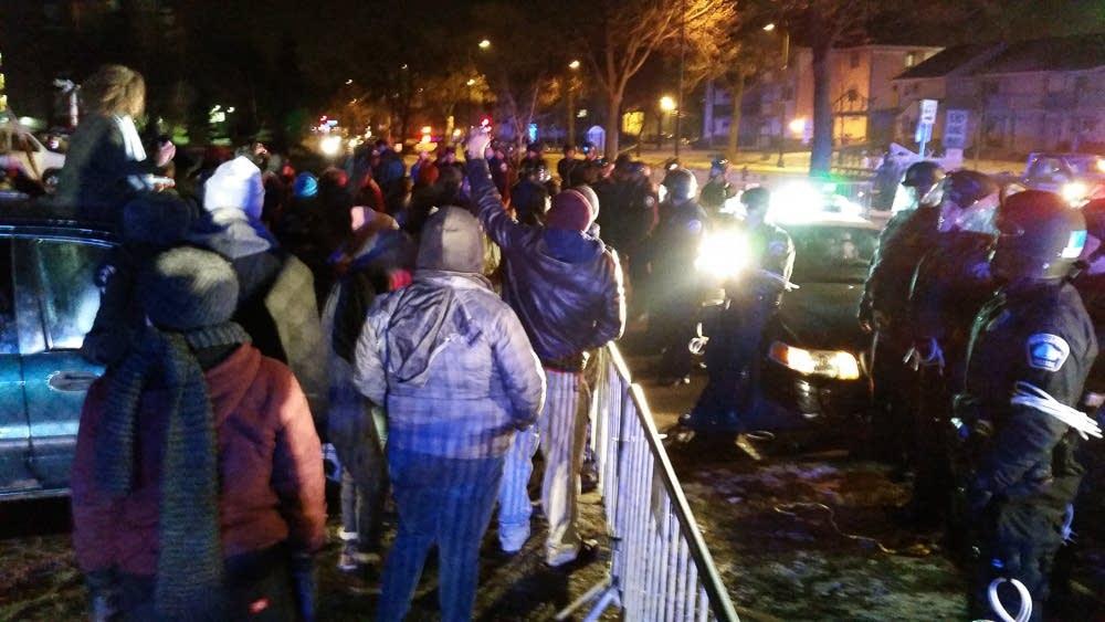 Police clear 4th Precinct