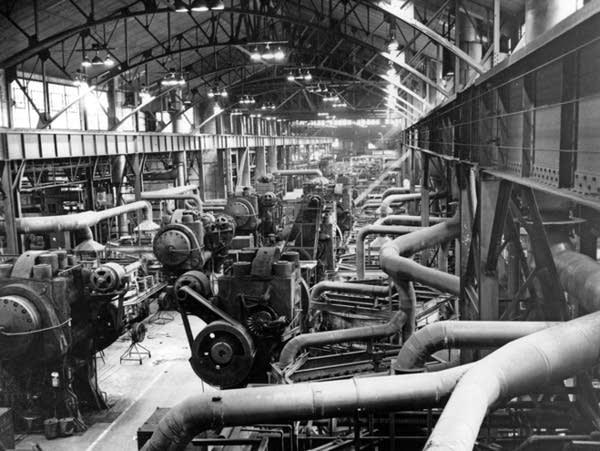 A propeller factory in the Minn. State Fair cattle barn, circa 1945.