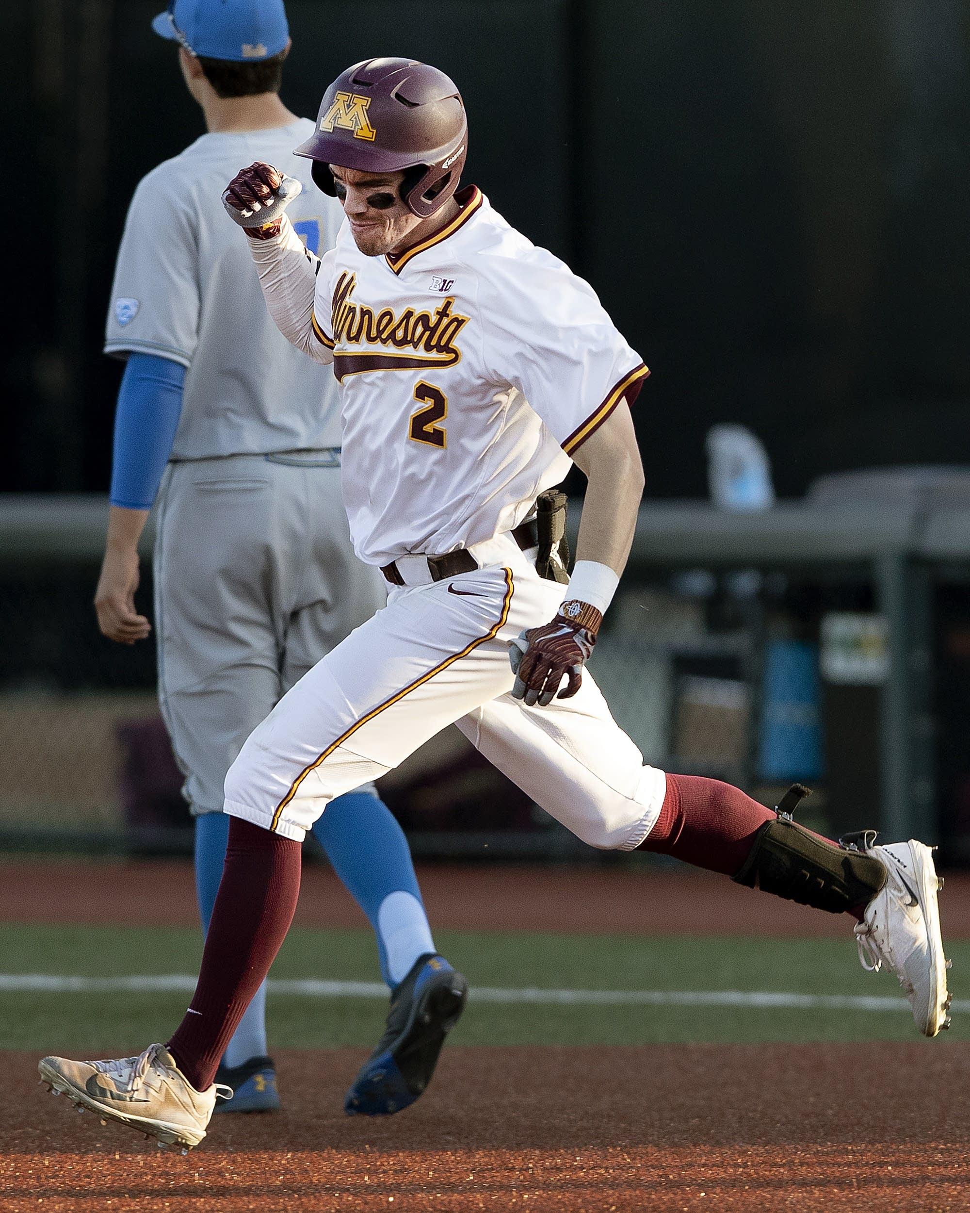 san francisco df5ba aea48 College baseball: Boxwell's bat leads Gophers past UCLA in ...