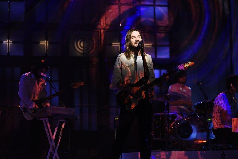Tame Impala perform on 'Saturday Night Live'