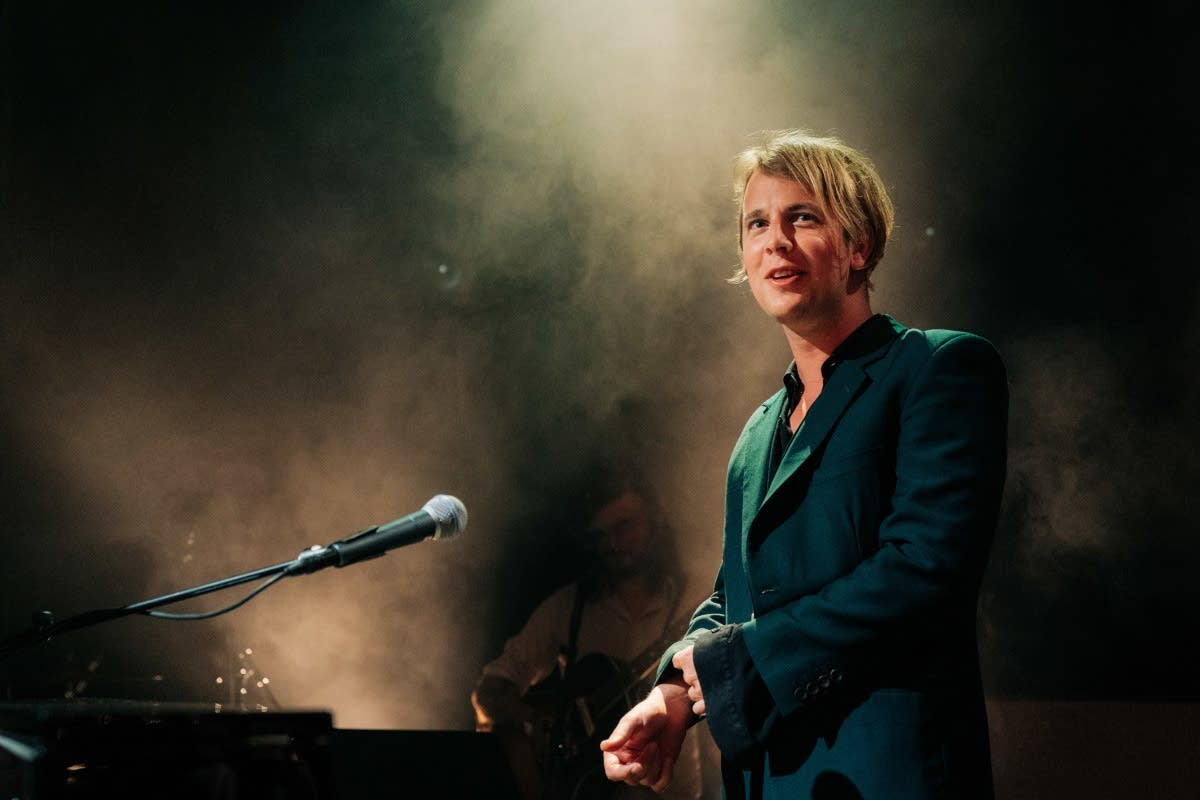 Tom Odell performing on 'The Late Late Show with James Corden'
