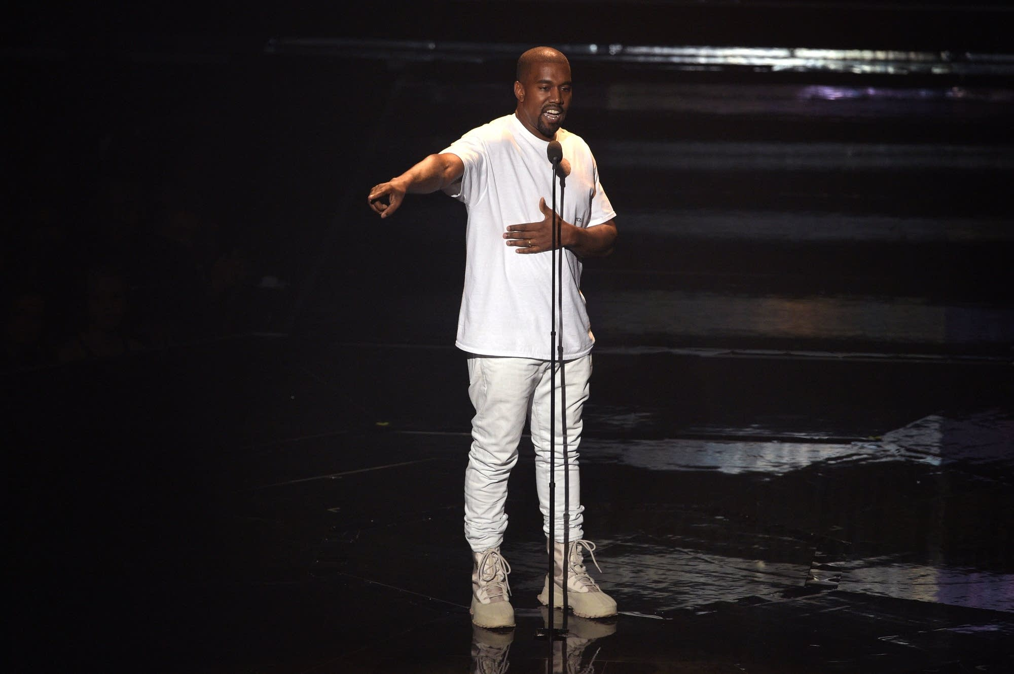 Kanye West performs during the 2016 MTV Video Music Awards.