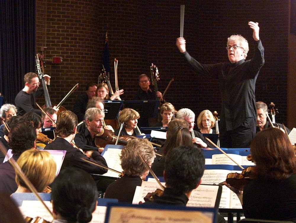Vanska conducts the orchestra at South High