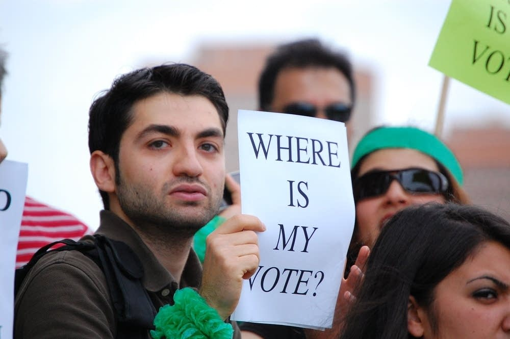 U of M students protest Iranian election