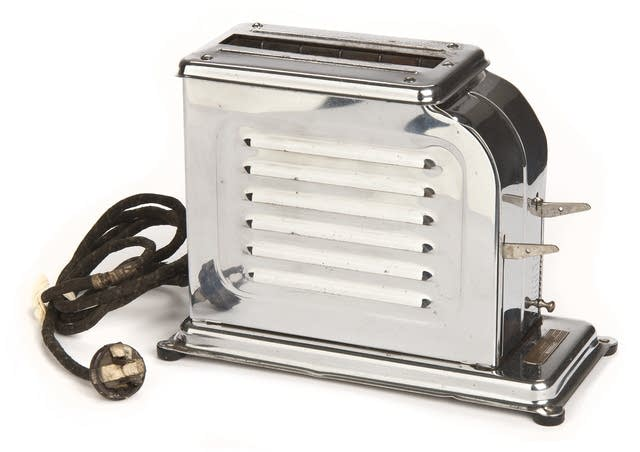 Charles Strite's electric toaster design