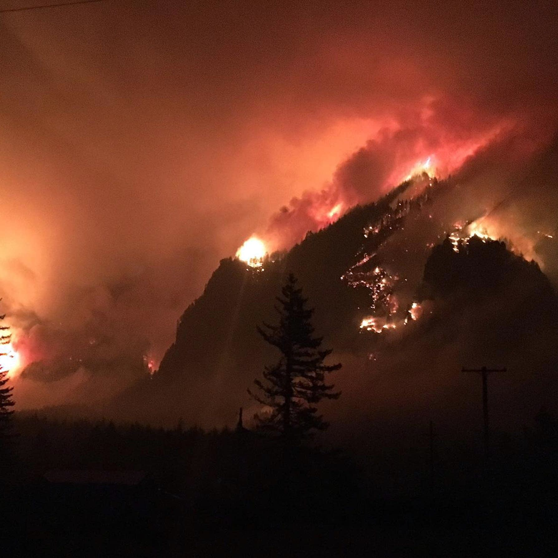 Ash covers Oregon cities, wildfire smoke chokes U S  West | MPR News