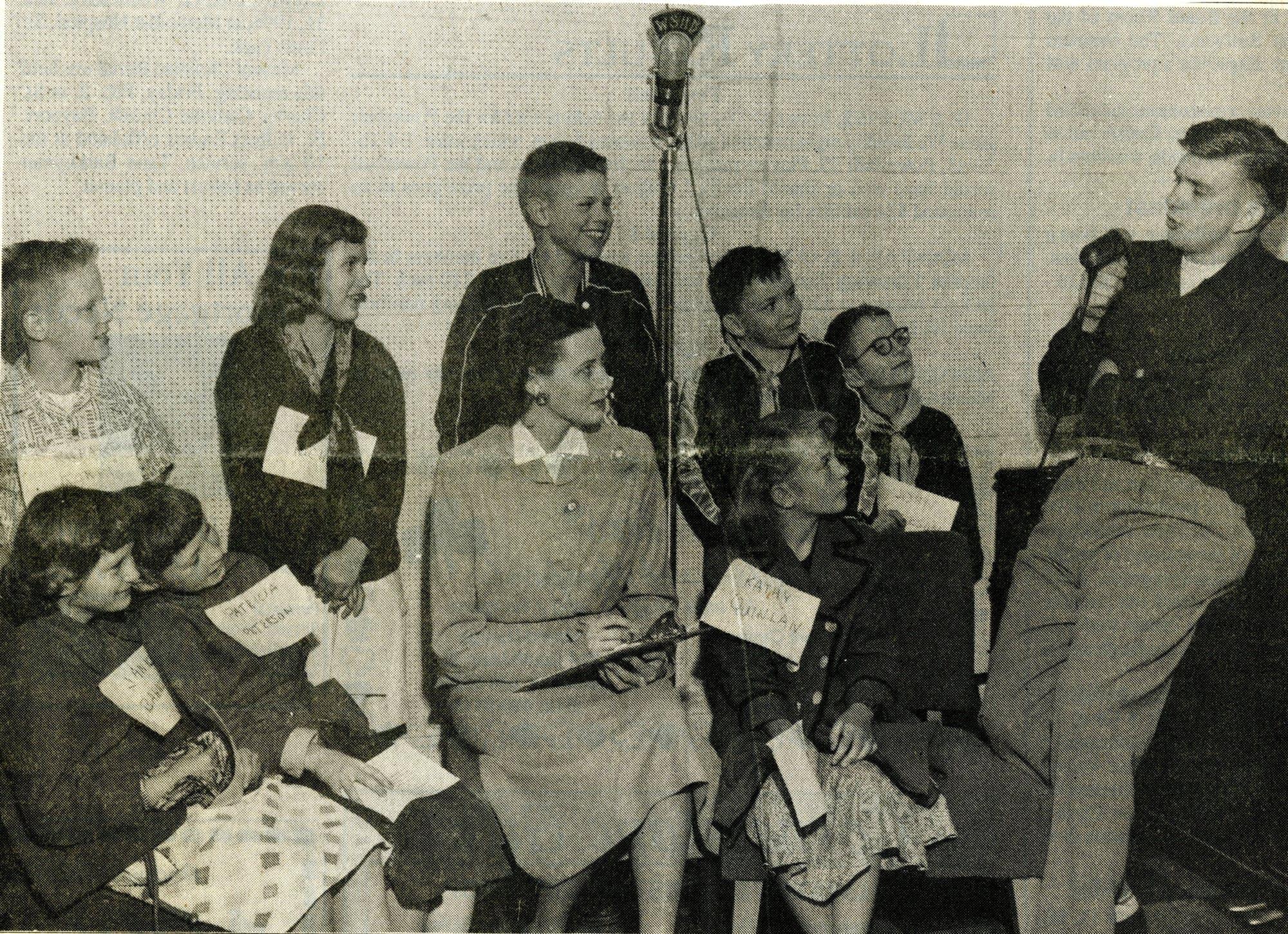 Anita Buck and Roger Erickson entertain local children