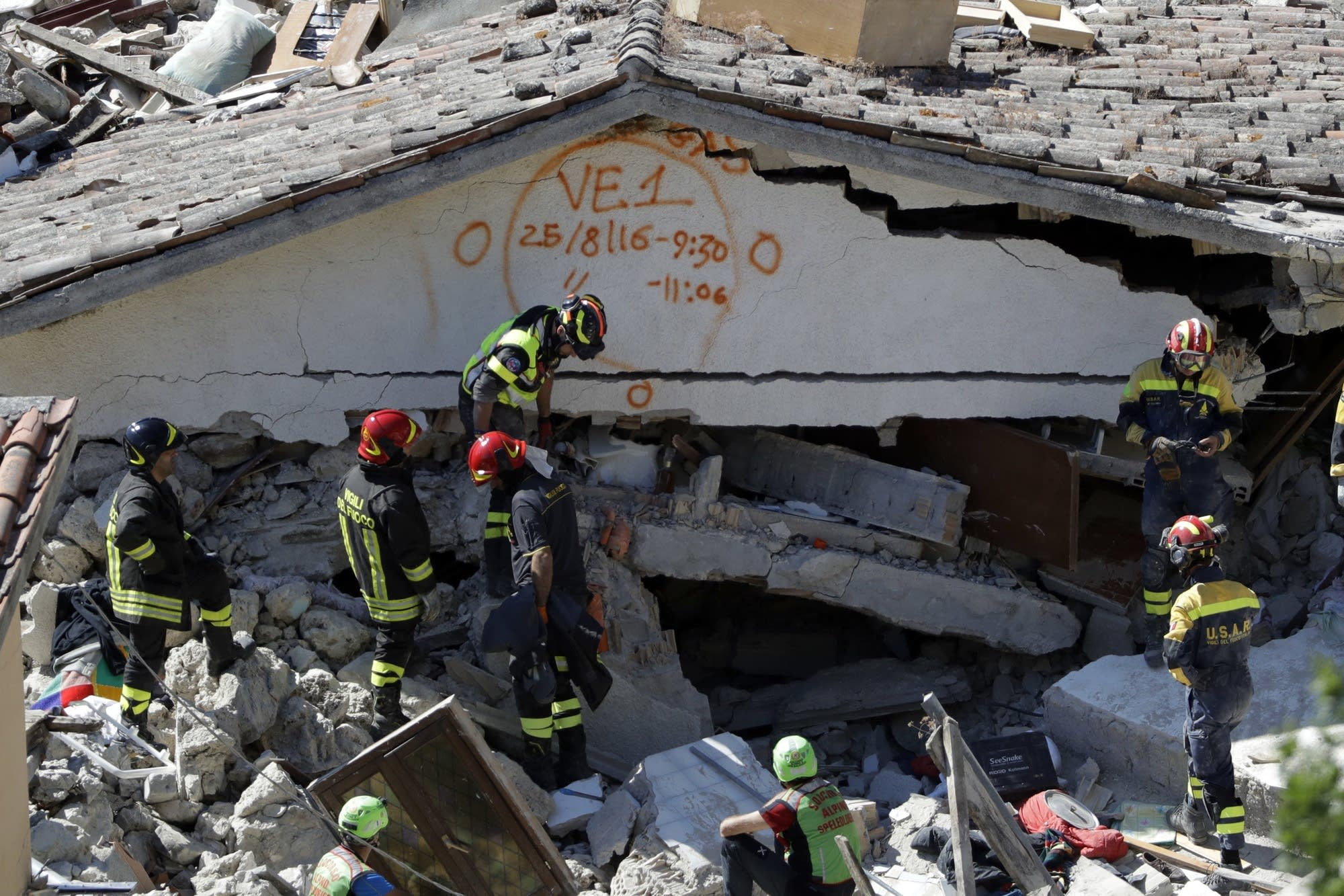 Aftershocks rattle Italian quake zone; toll rises to 250 ...