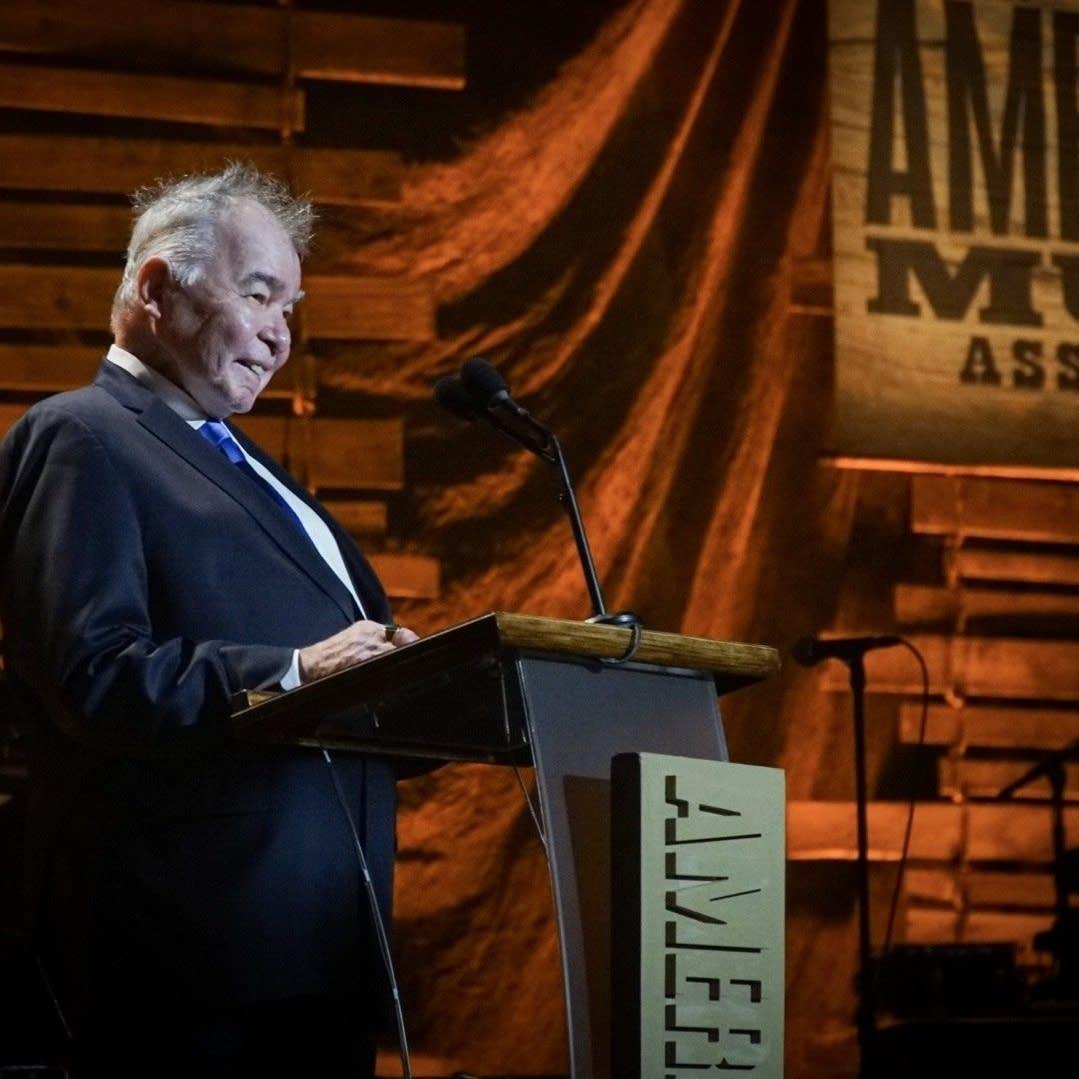 Artist of the Year award winner John Prine at the 2017 Americana Fest