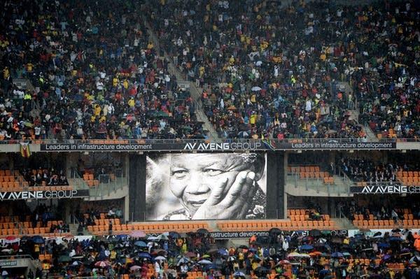 Crowds gather for Mandela