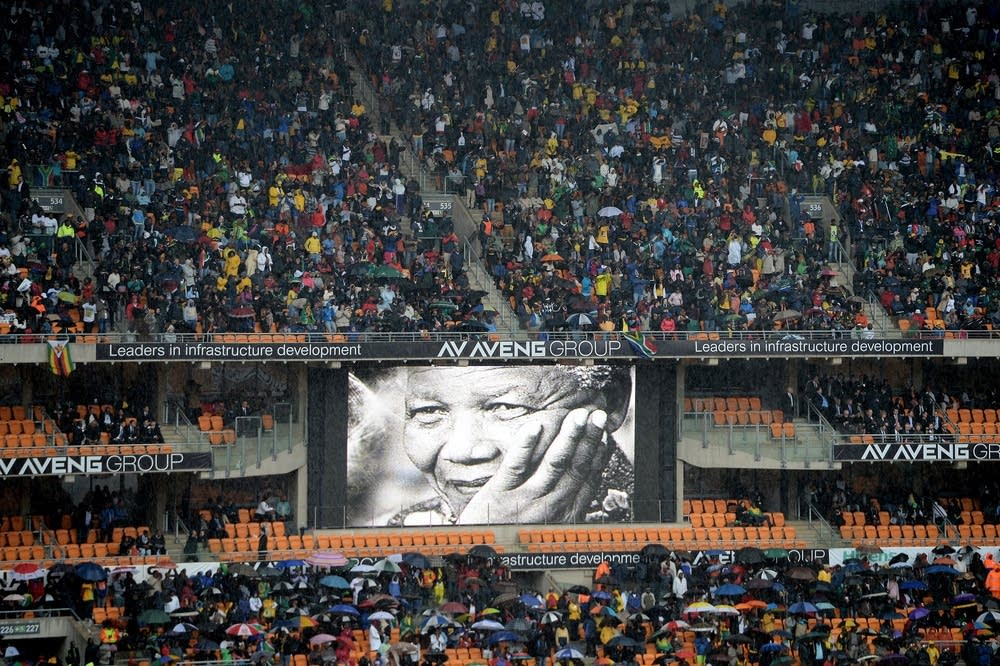 Crowds gather for Mandela