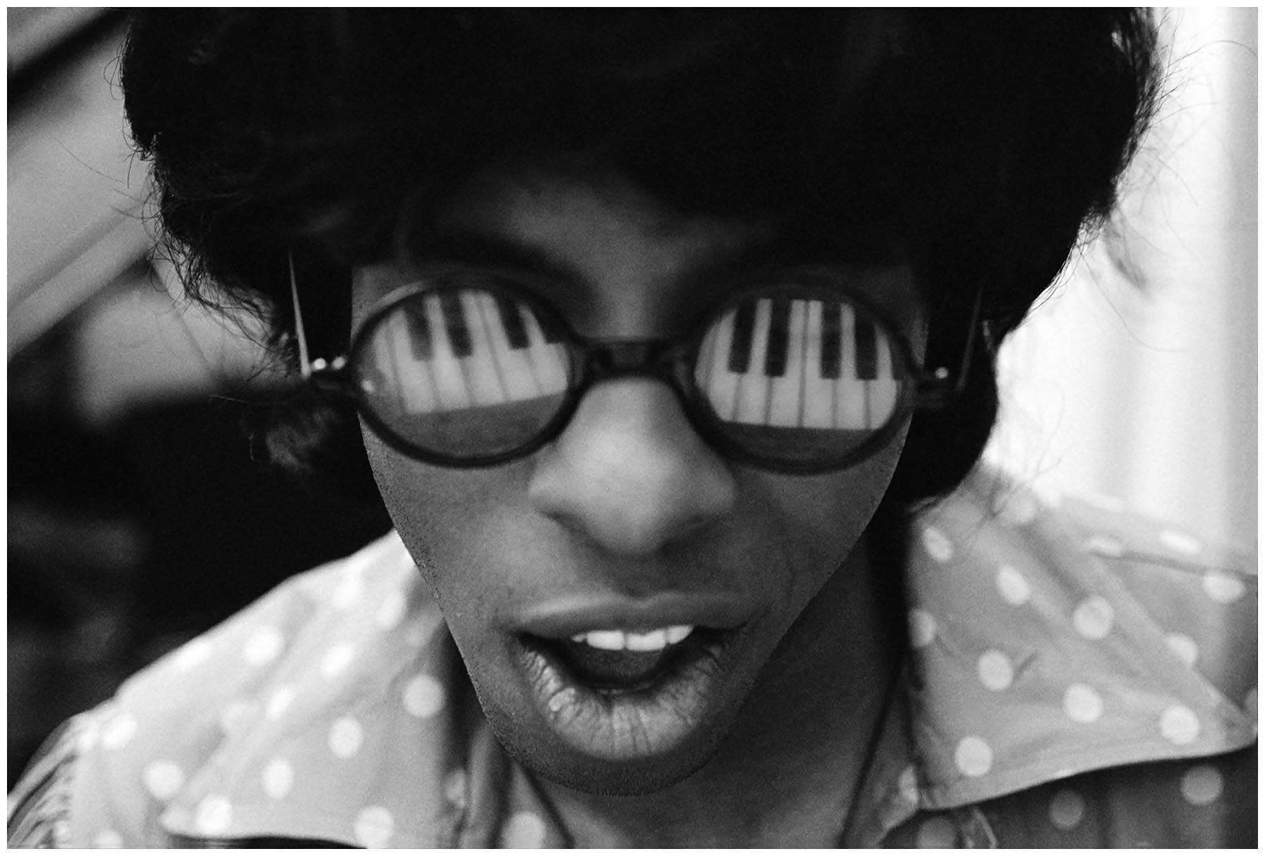 Sly Stone solo closeup