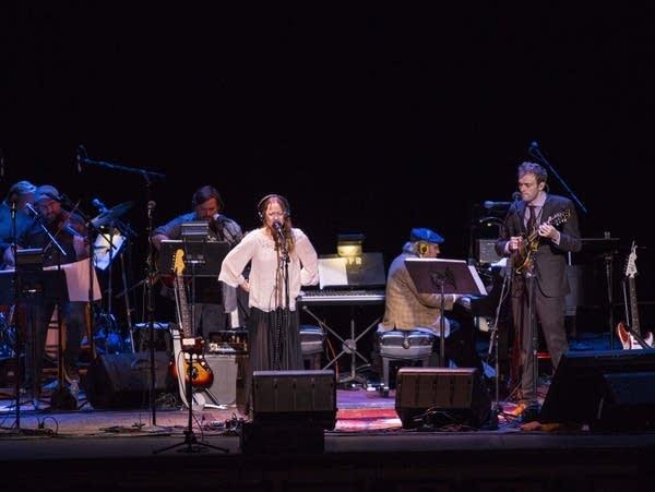 Fiona Apple sings