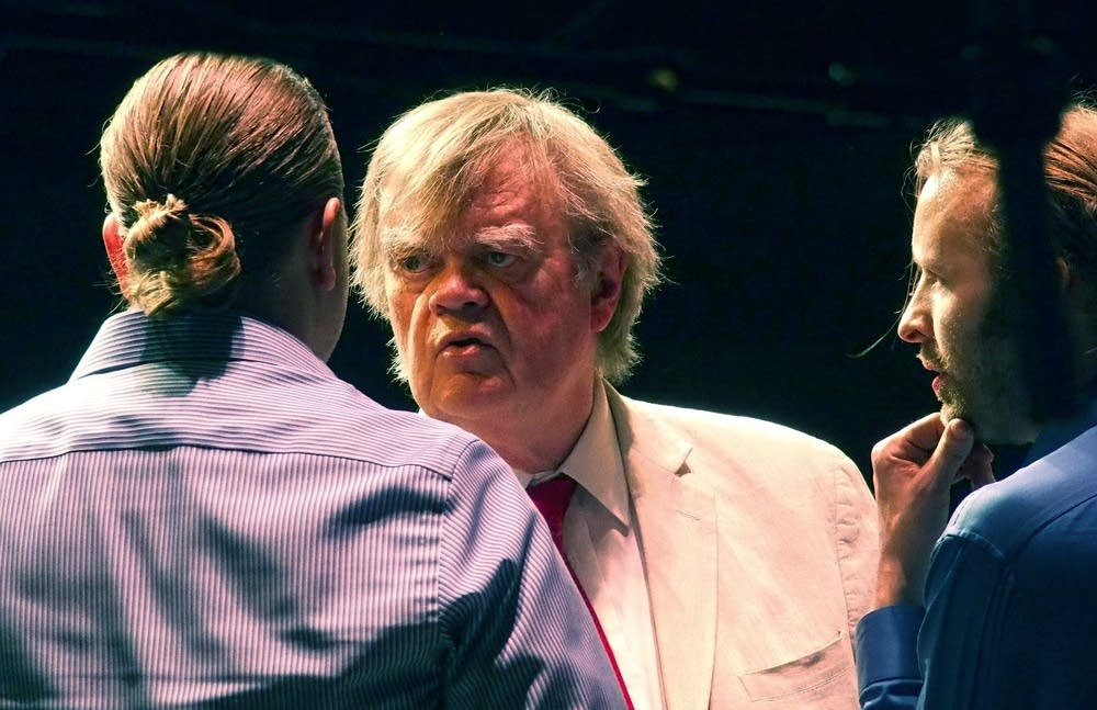 6:29 p.m. Saturday: Keillor interviews Rick Auslan