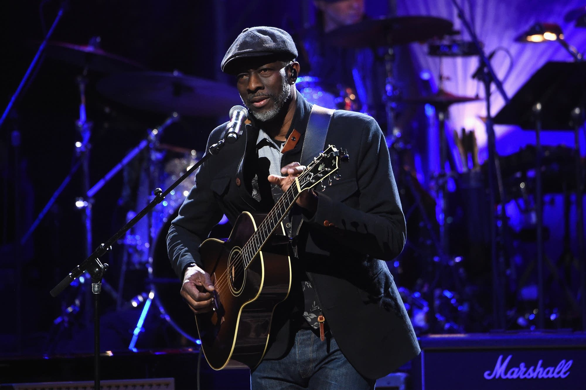 Blues musician Keb Mo performing in New York