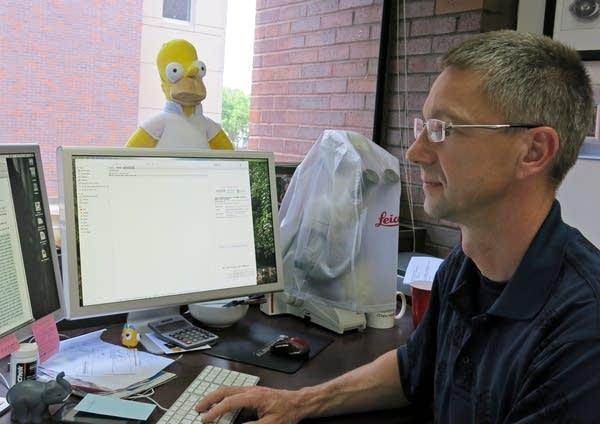Professor Heiko Schoenfuss at St. Cloud State.