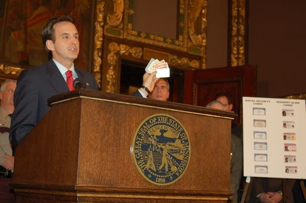 Pawlenty with forgeries
