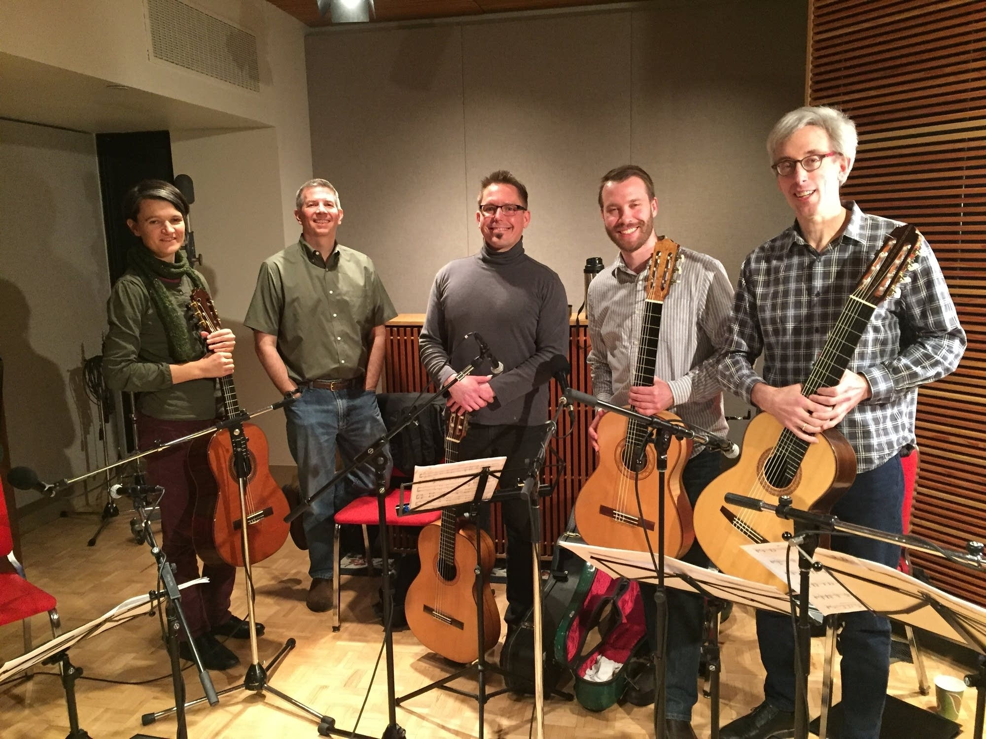 Minneapolis Guitar Quartet with Steve Staruch