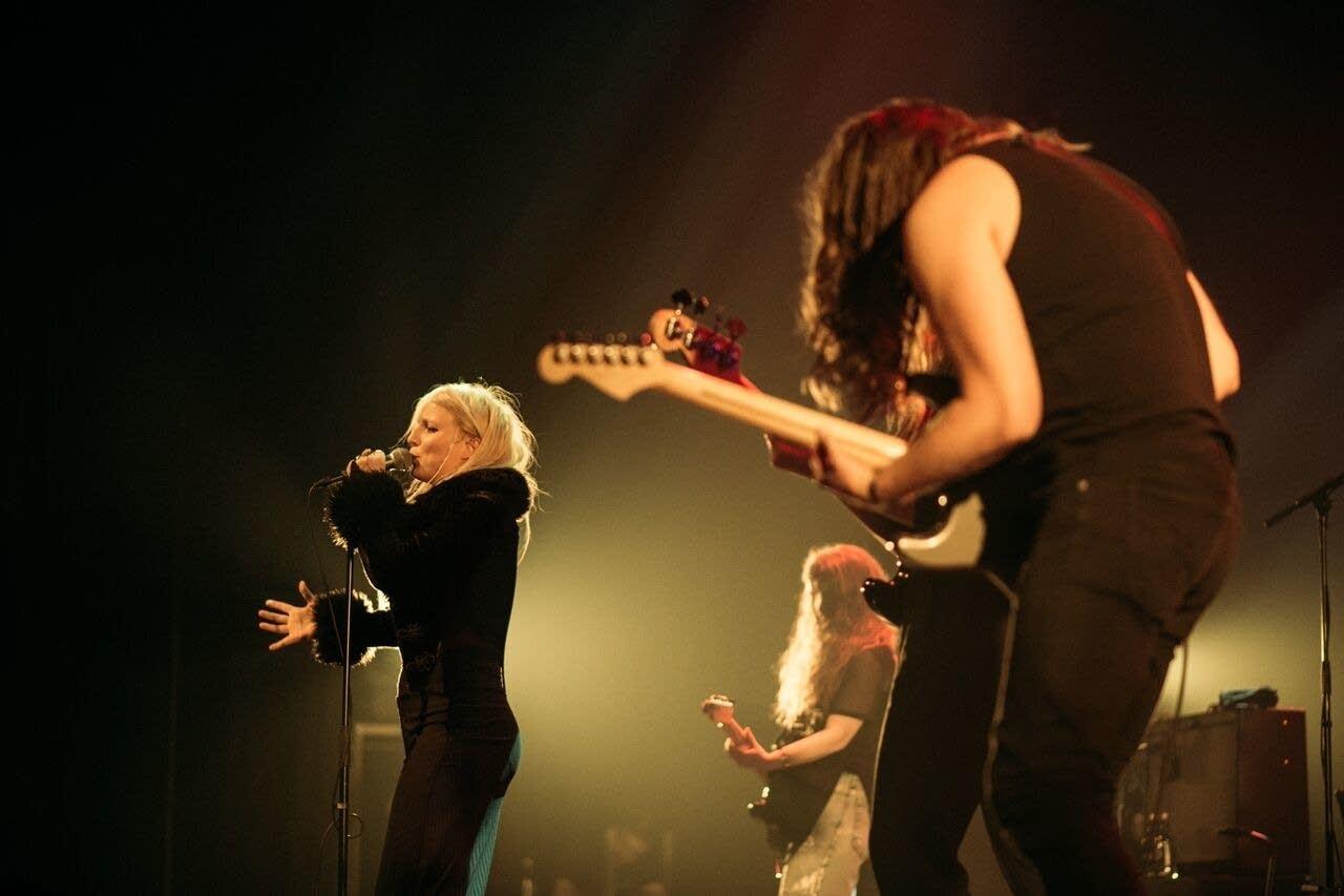 Mammut perform at Hof in Akureyri