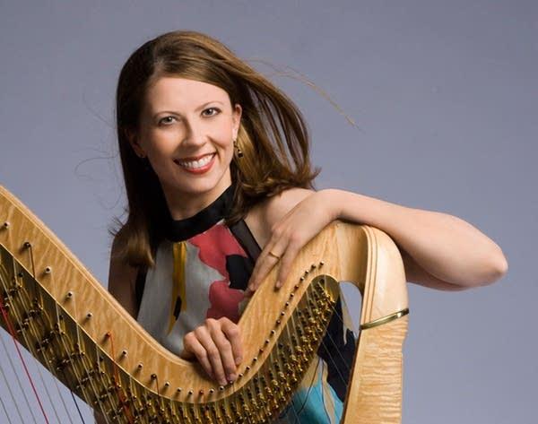 Yolanda Kondonassis, harpist