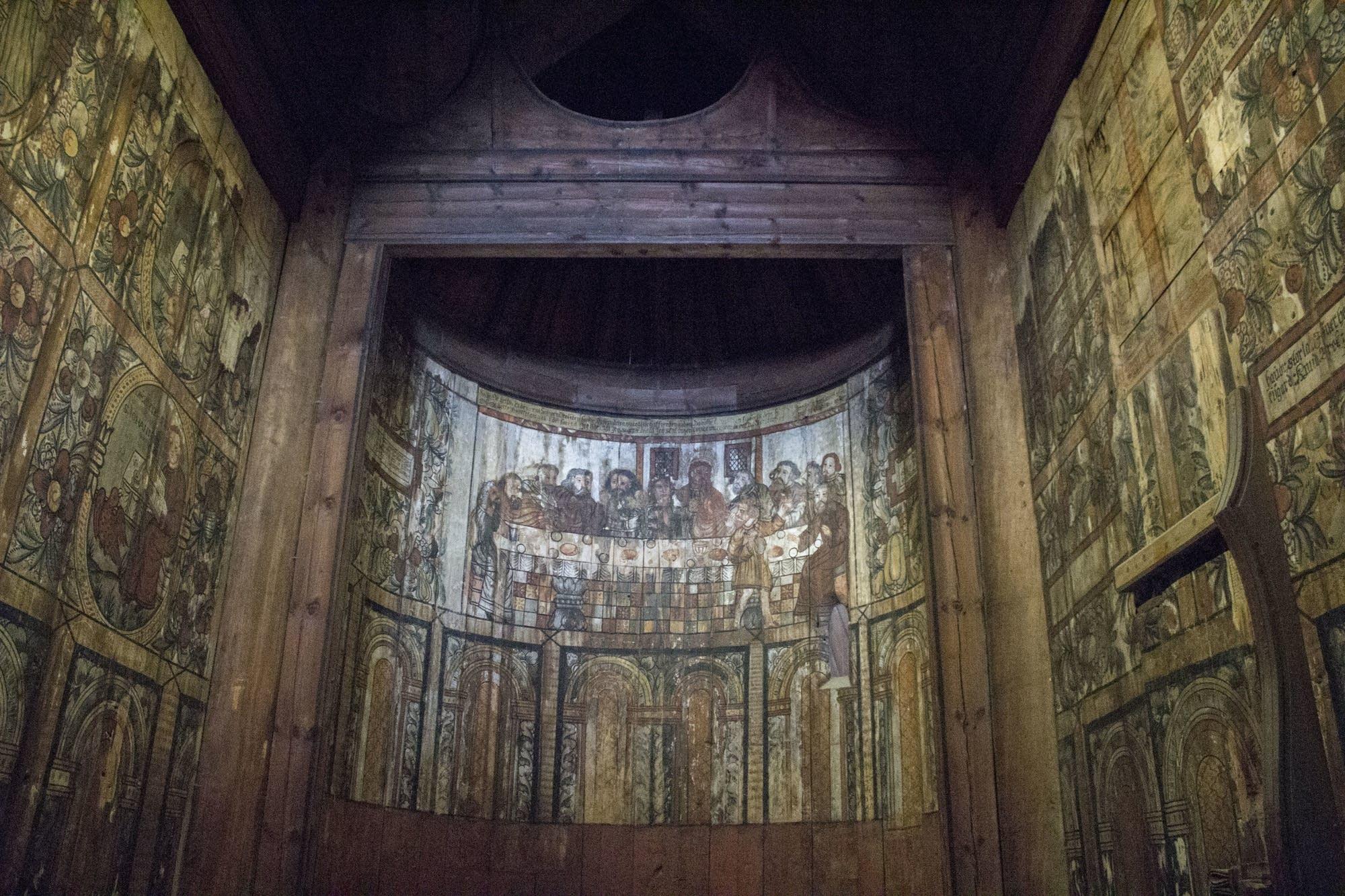 Oslo - 10 - church woodwork