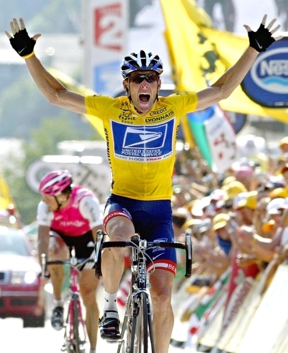 Armstrong wins 17th stage in 2004