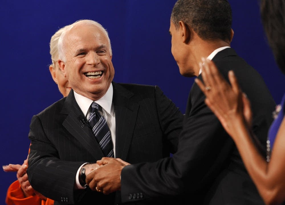 McCain and Obama shake hands after the debate