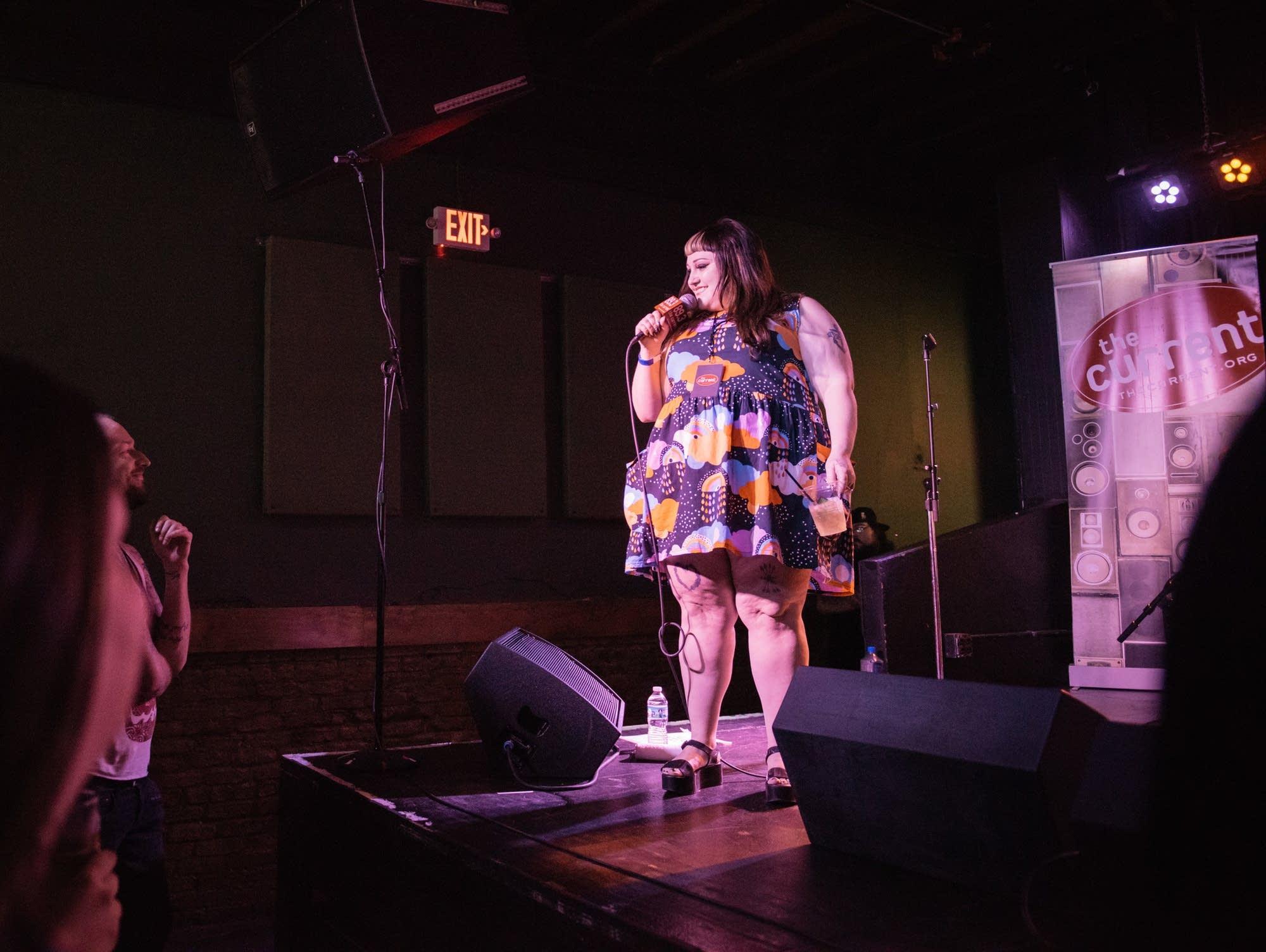 Beth Ditto MicroShow Turf Club