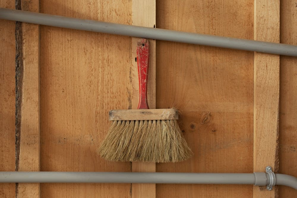 Hanging broom