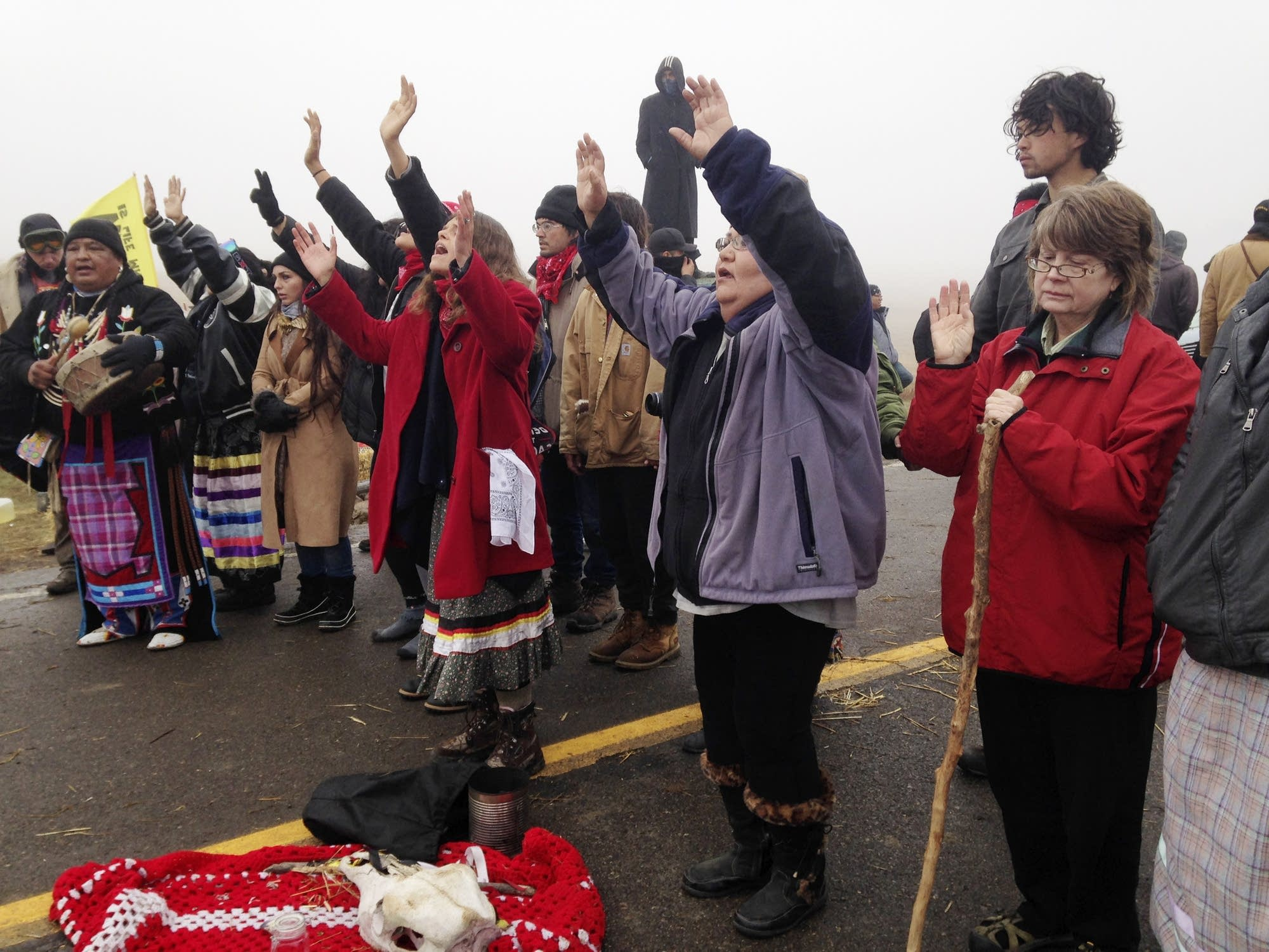 Oil pipeline protesters brace for confrontation with police