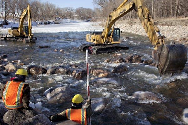 Lowhead dam modification