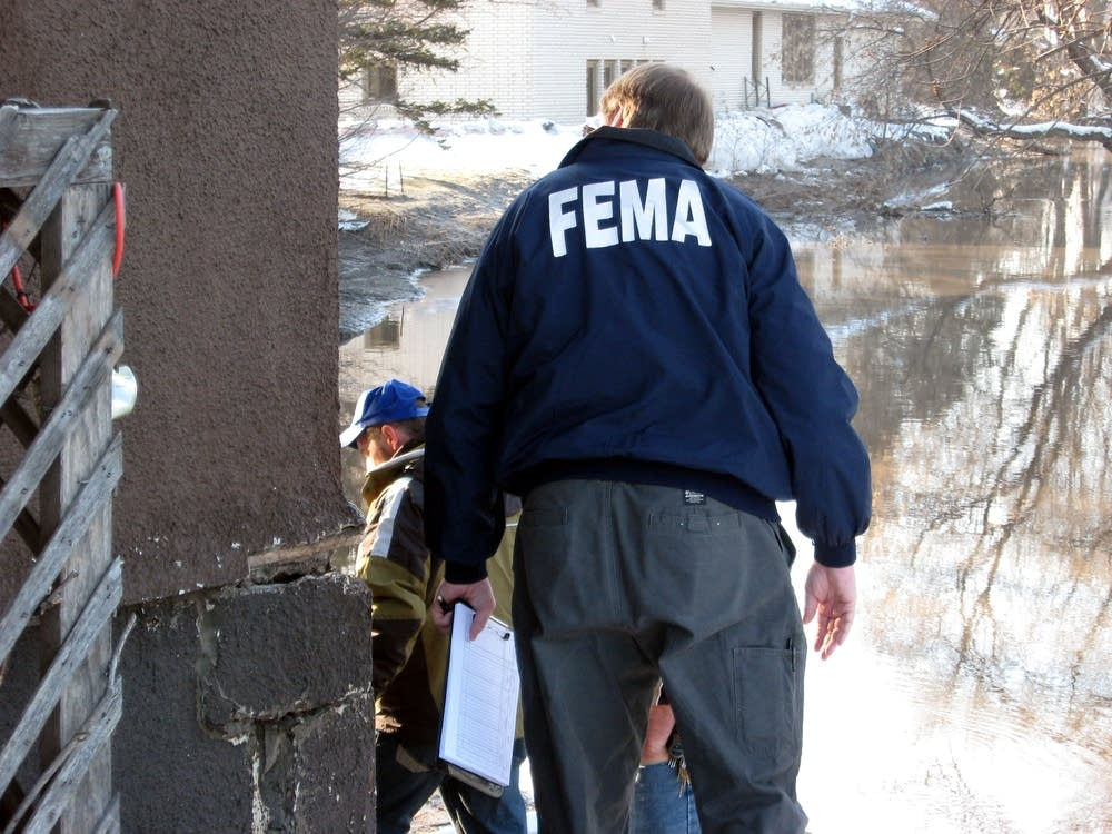 FEMA team surveys damage