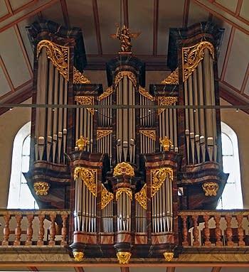 1988 Metzler organ at the Church of St. Nicolas, Bremgarten, Switzerland