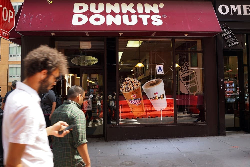 dunkin donuts to the uk Dunkin' donuts to ditch foam cups by 2020 removing one billion polystyrene containers from the world's waste but british isis soldiers blasts uk in first audio.