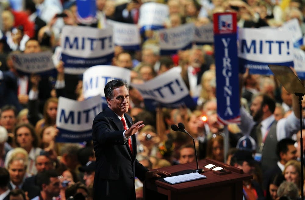 Romney accespts the nomination