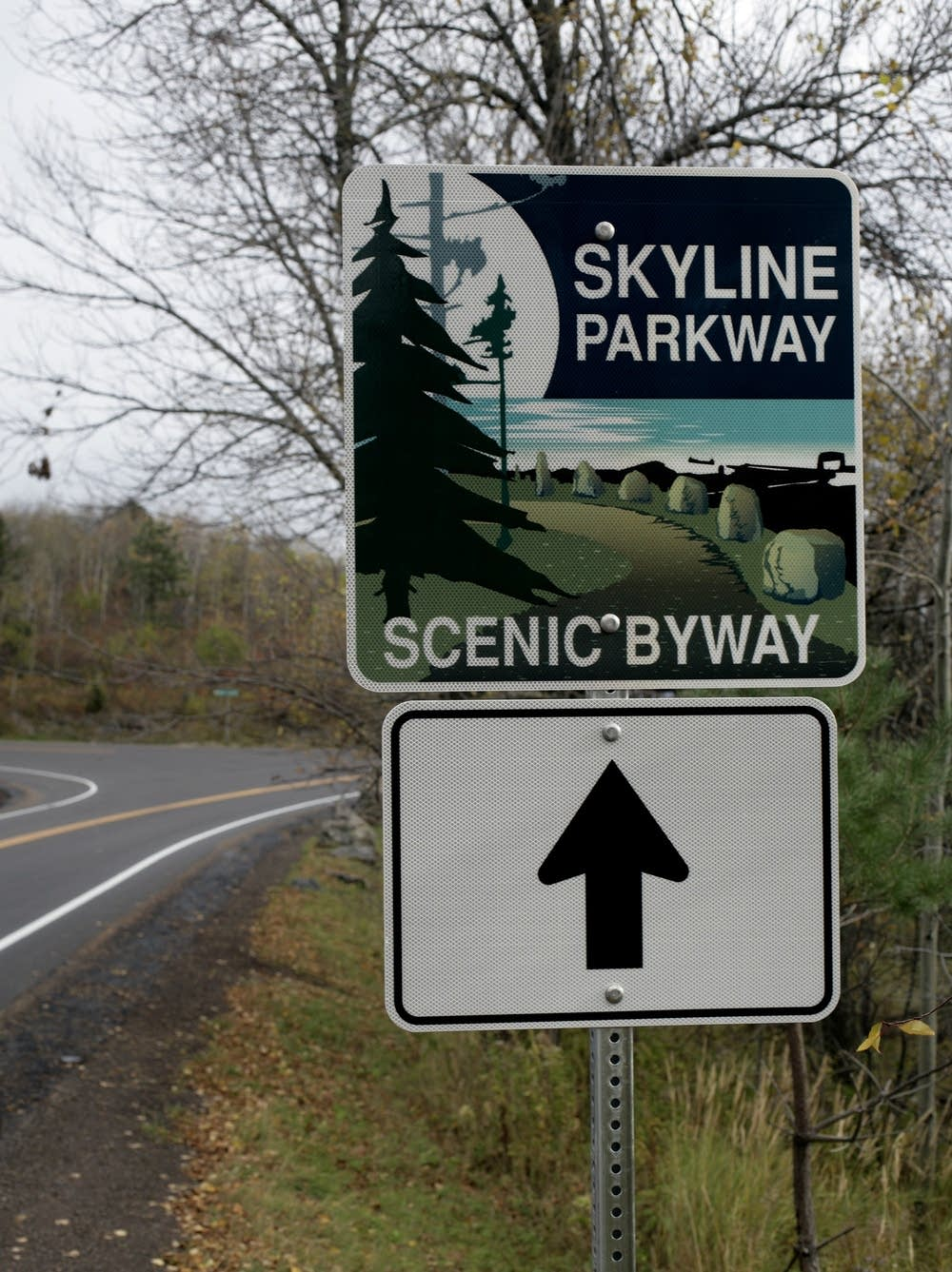 Skyline Drive signs