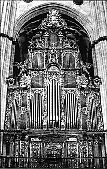1744 Pedro Euchavarra organ at the Cathedral of Salamanca, Spain
