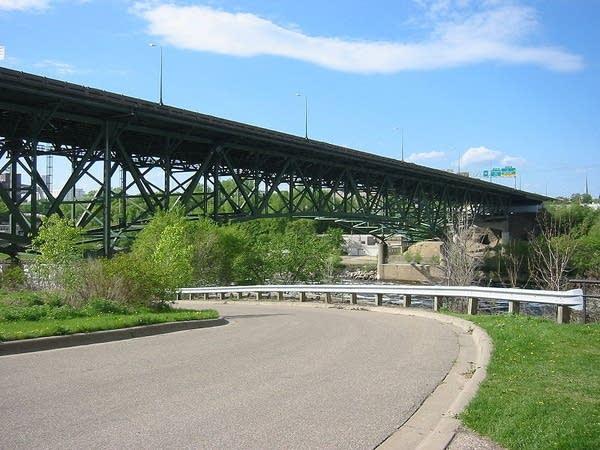 South view of I35W bridge