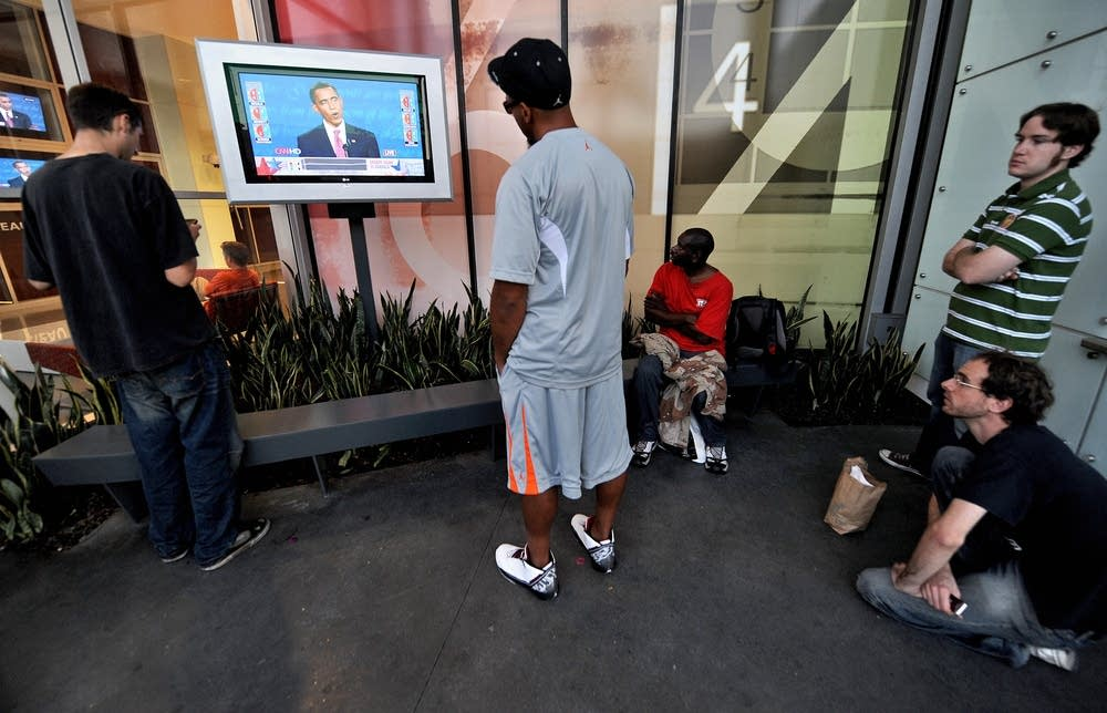 People watch the first 2008 presidential debate