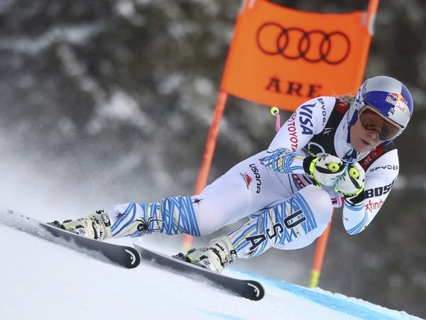 Lindsey Vonn speeds down the course