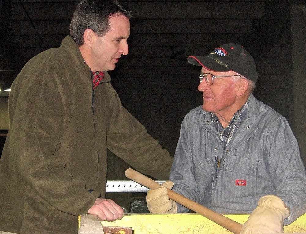 Pawlenty tours sandbagging effort