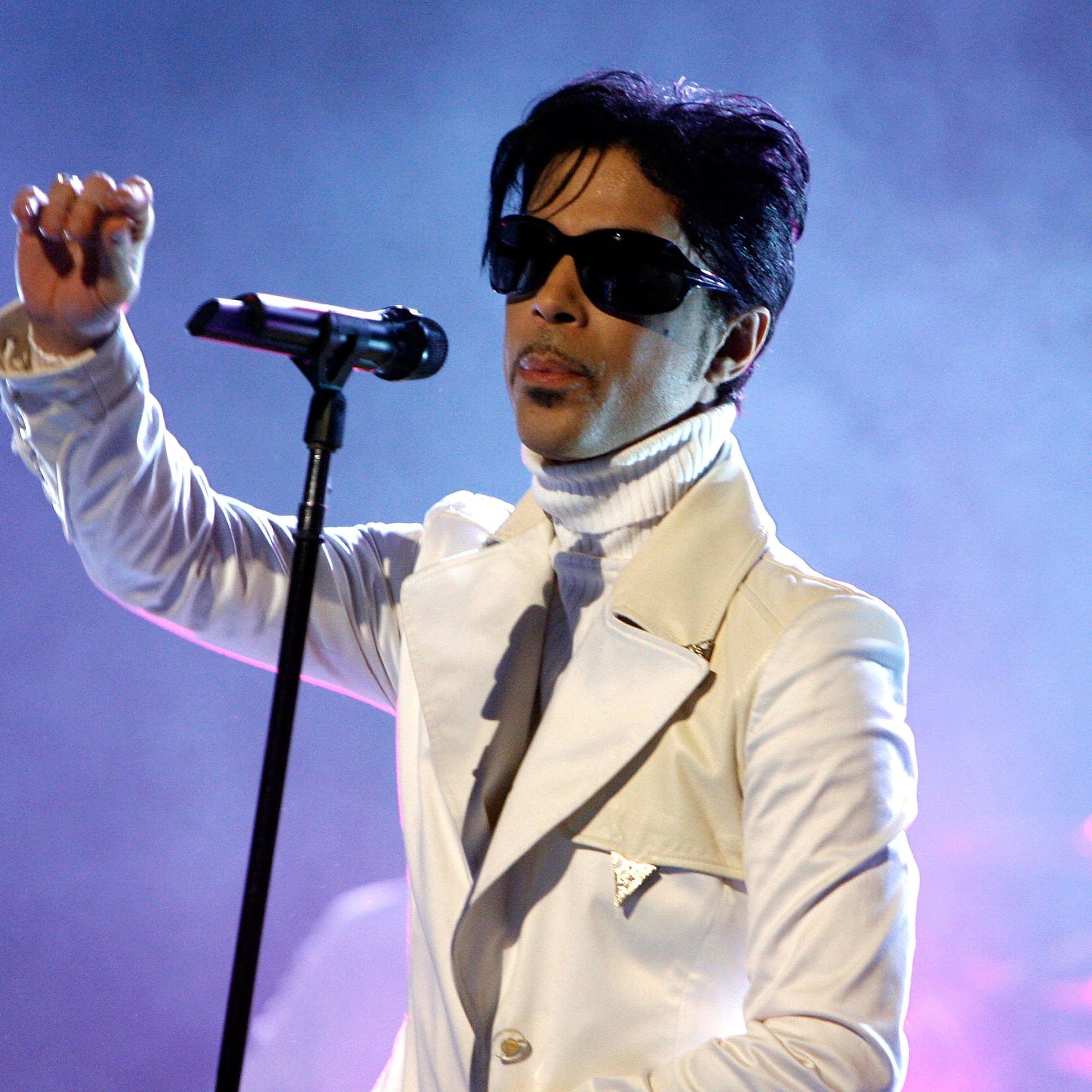 Prince onstage in Pasadena