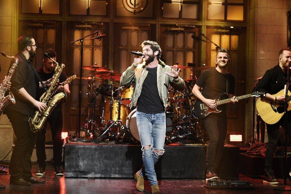 Thomas Rhett performs on 'Saturday Night Live'