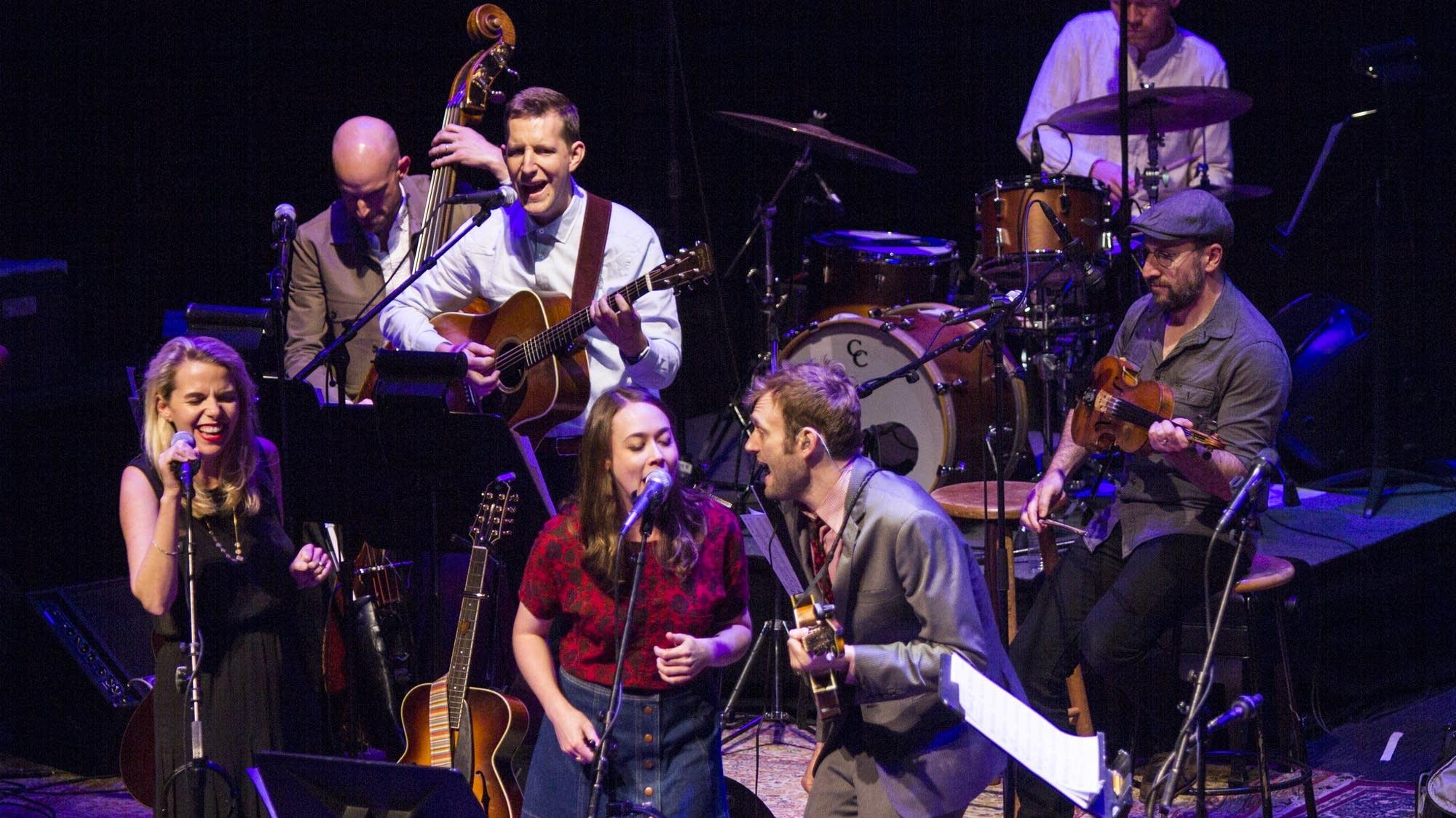 Sarah Jarosz with Aoife O'Donovan, Chris and band