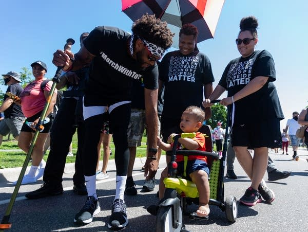 Terry Willis completes walk from Alabama to Minneapolis
