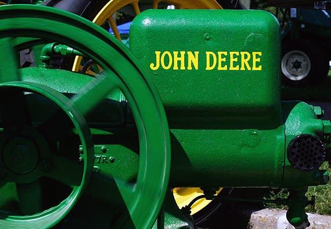 John Deere gas engine