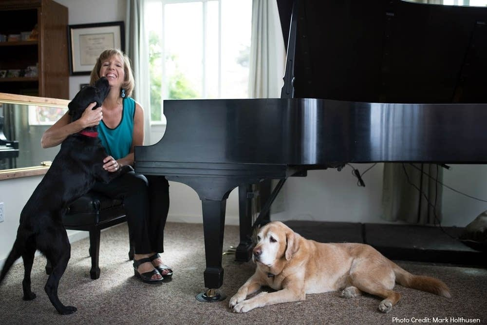 Musician Lisa Spector and her dogs