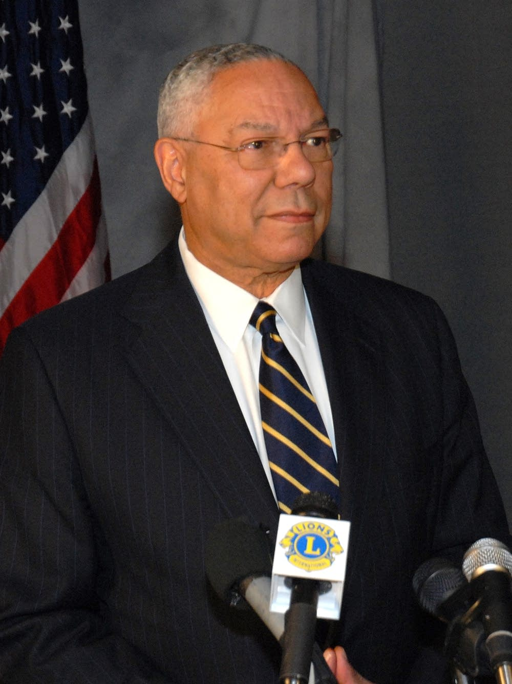Colin Powell speaks to Lions Club members