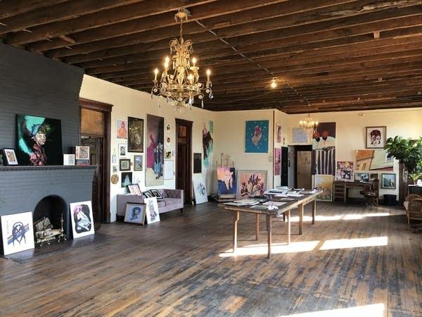 A photo of an art gallery.